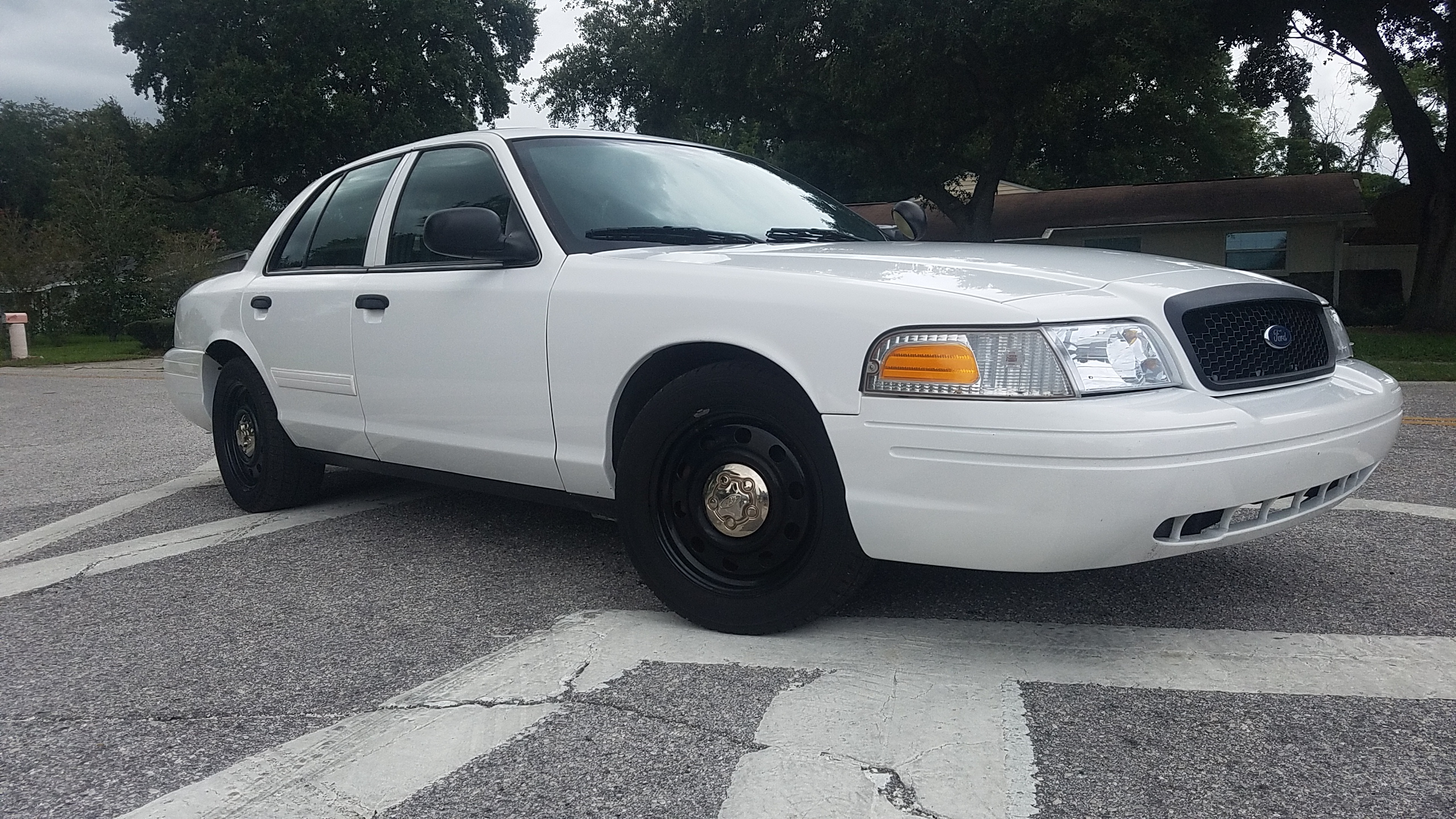 ford crown victoria p pb police interceptor